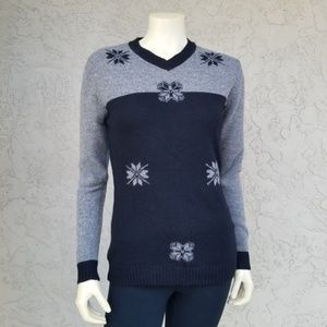 Old Navy Lambswool Color Block Snowflake Sweater